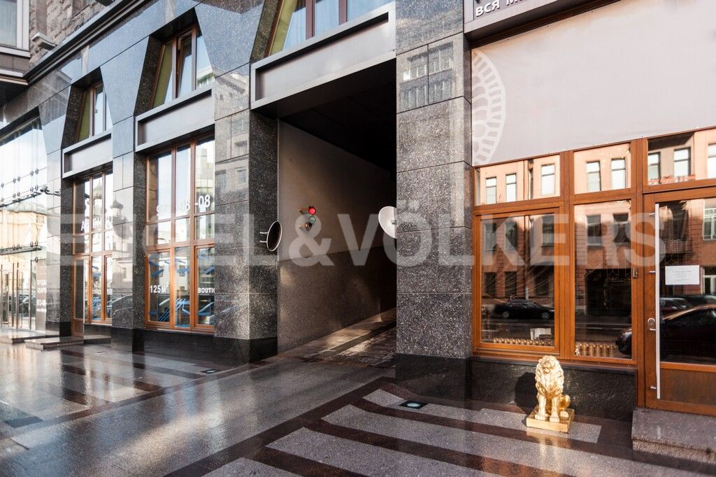 Элитные квартиры в Центральном районе. Санкт-Петербург, Тверская, 1А. Въезд в подземный паркинг
