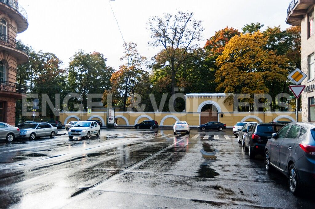 Элитные квартиры в Центральном районе. Санкт-Петербург, Тверская, 1А. Тверская улица и Таврический сад