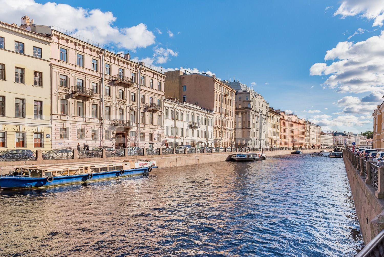 Элитные квартиры в Центральном районе. Санкт-Петербург, Наб. реки Мойки 28.