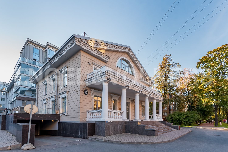 Элитные квартиры в Петроградском районе. Санкт-Петербург, Каменноостровский, 62.