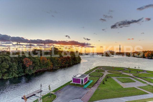 Ждановская, 45 – прямой вид на акваторию Финского залива