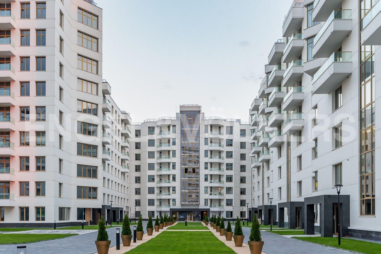 Ландшафтный дизайн внутренней территории комплекса