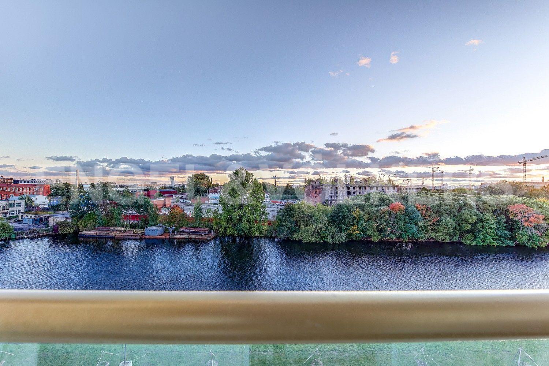 Вид на наб.реки Ждановки из окон спален