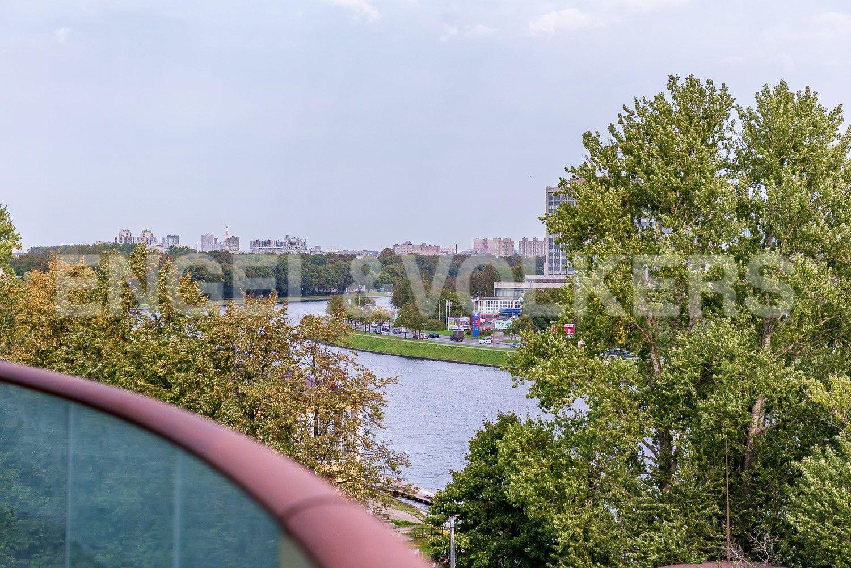 Элитные квартиры на . Санкт-Петербург, ул. Вязовая, 8. Вид в сторону Каменного острова