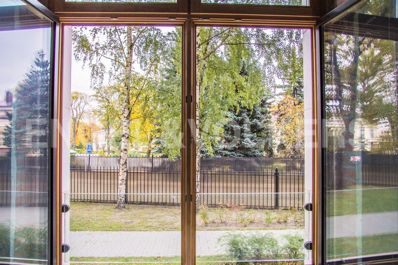 Элитные квартиры на . Санкт-Петербург, Депутатская, 26. Приятный вид из окон