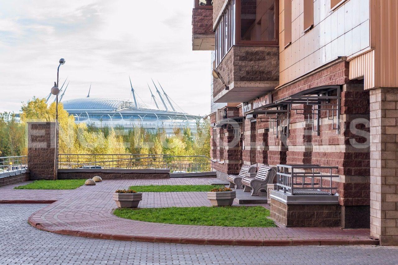 Элитные квартиры в Приморском районе. Санкт-Петербург, Приморский пр., 137. Благоустроенная внутренняя территория