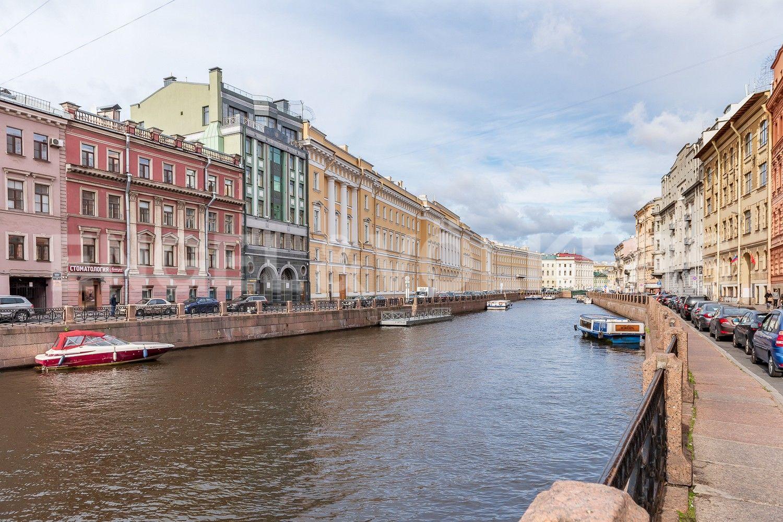 Элитные квартиры в Центральном районе. Санкт-Петербург, Большая Морская, 4. Набережная реки Мойки
