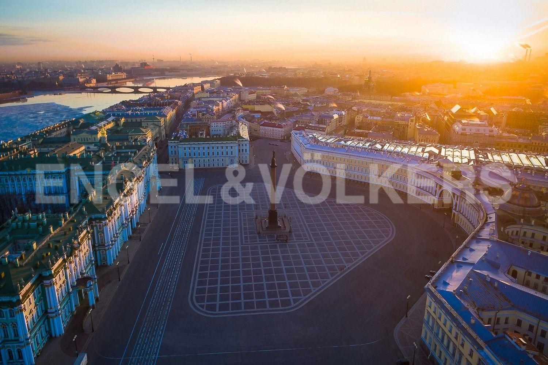Элитные квартиры в Центральном районе. Санкт-Петербург, Большая Морская, 4. Ансамбль Дворцовой площади