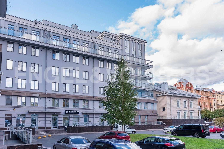Элитные квартиры в Петроградском районе. Санкт-Петербург, Каменноостровский, 62. Фасадная часть дома
