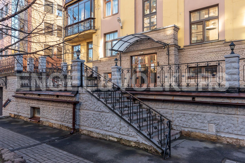 Элитные квартиры в Центральном районе. Санкт-Петербург, Шпалерная, 52А. Входная группа