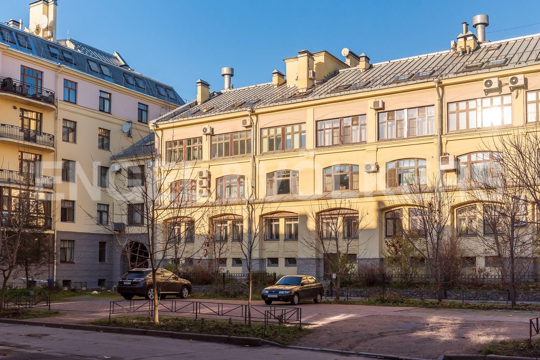 Элитные квартиры в Центральном районе. Санкт-Петербург, Шпалерная, 52А. Окна на южную сторону