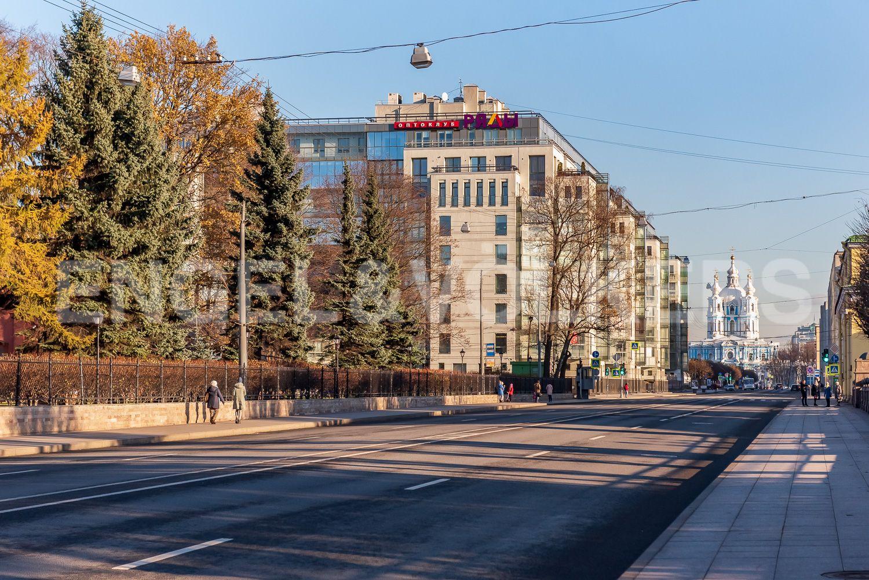 Элитные квартиры в Центральном районе. Санкт-Петербург, Шпалерная, 52А. Смольный собор