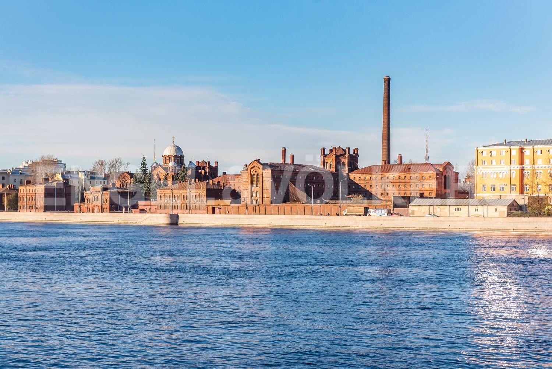 Элитные квартиры в Центральном районе. Санкт-Петербург, Шпалерная, 52А. Вид с набережной