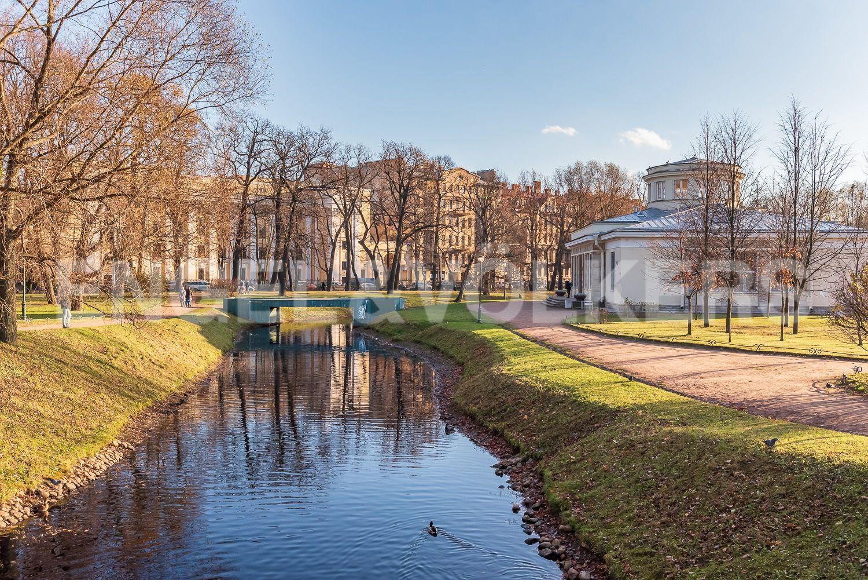 Элитные квартиры в Центральном районе. Санкт-Петербург, Шпалерная, 52А. Канал в Таврическом саду