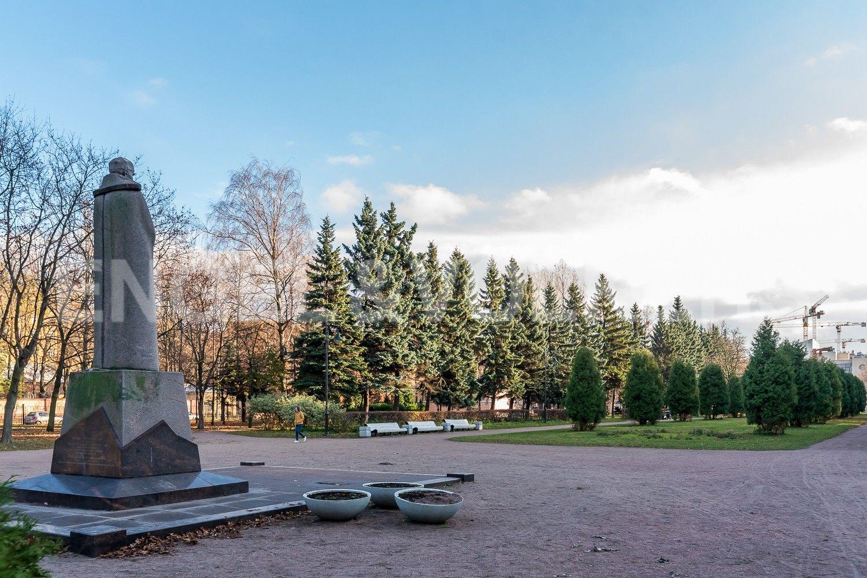 Элитные квартиры в Василеостровском районе. Санкт-Петербург, 26-я линия В.О., 15. Парк