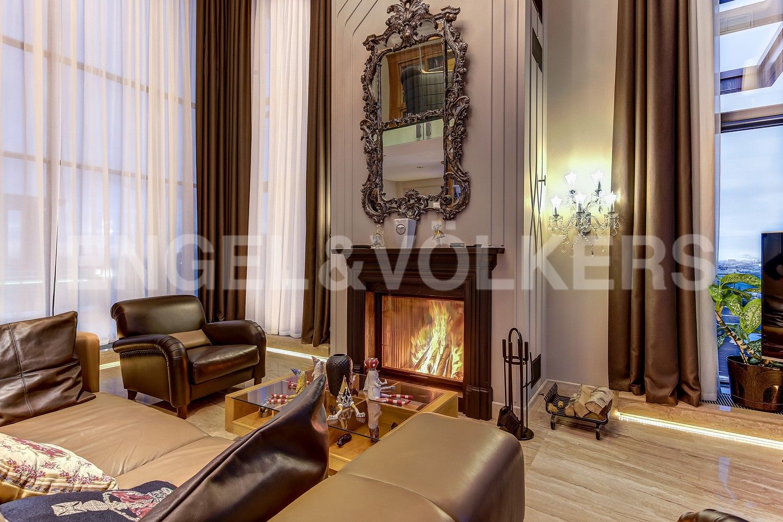 Элитные квартиры в Центральном районе. Санкт-Петербург, Кирочная ул., д.64. Каминная зона в гостином зале