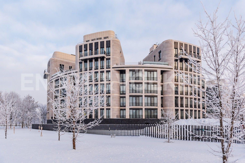 Элитные квартиры на . Санкт-Петербург, наб. Мартынова, 74. Вид на комплекс