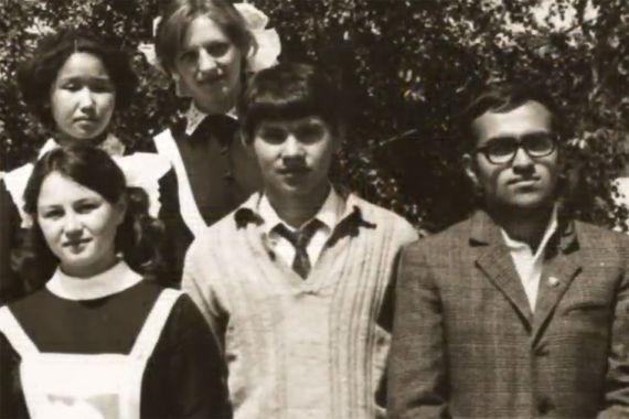 Министр обороны Сергей Шойгу (на фото в центре) закончил школу в родной Туве. Учился без троек