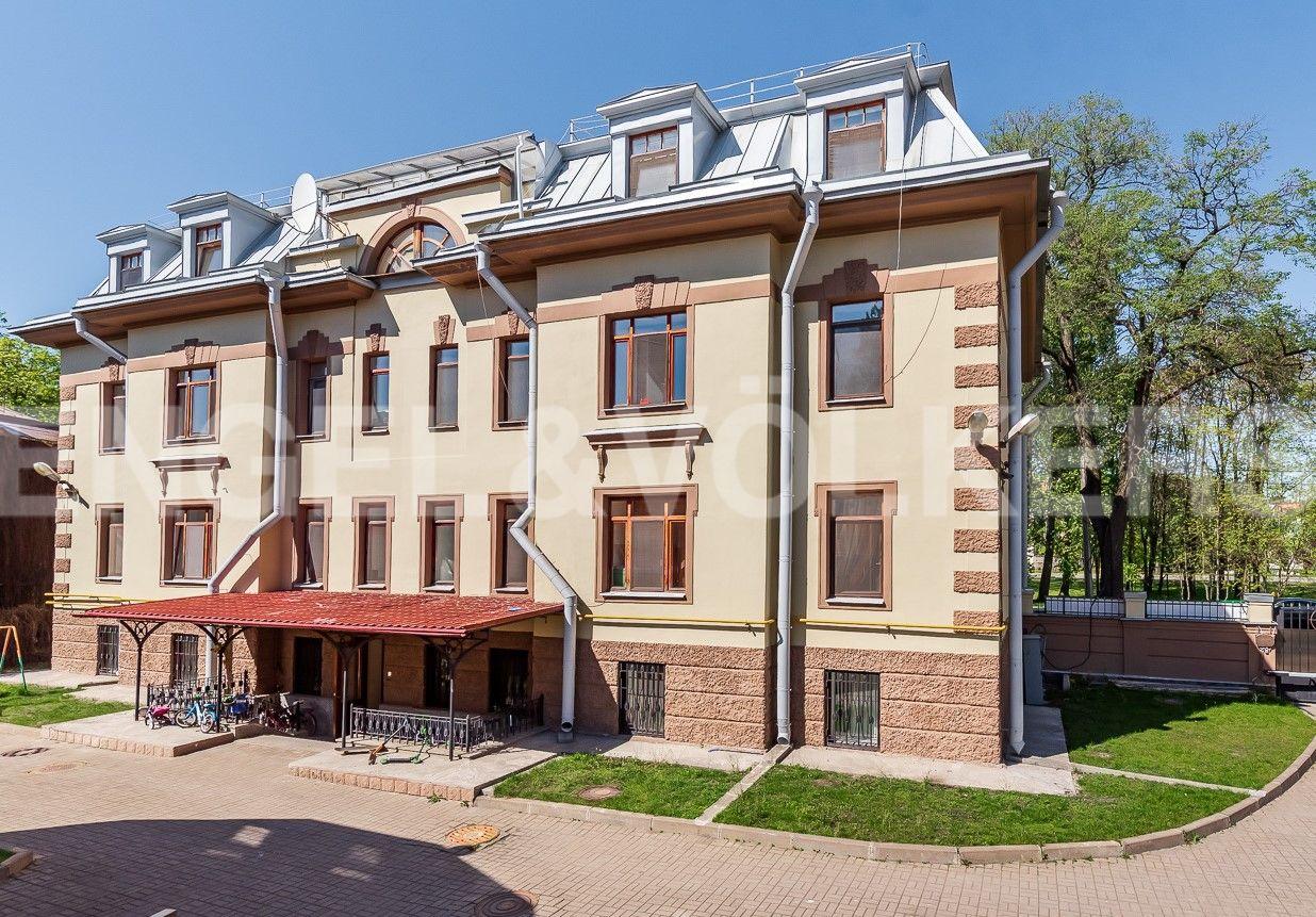 Элитные квартиры на . Санкт-Петербург, Крестовский проспект, 4Б.