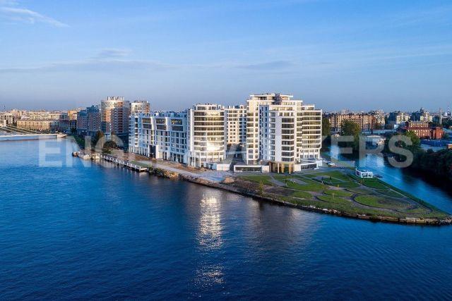 ЖК «Леонтьевский мыс» — квартира с персональным лифтом и панорамой на Финский залив