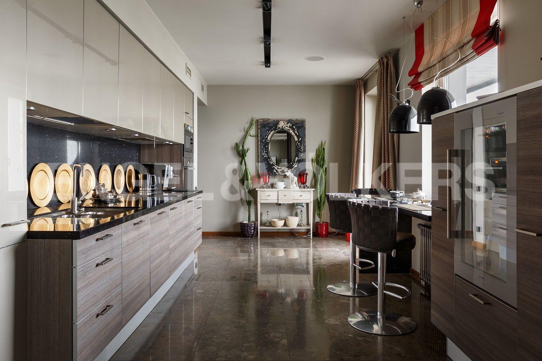 Элитные квартиры в Центральном районе. Санкт-Петербург, Шпалерная, 60. Кухня Poggenpohl (Германия)