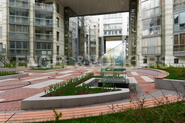 Элитные квартиры в Центральном районе. Санкт-Петербург, Шпалерная, 60. Придомовая территория комплекса