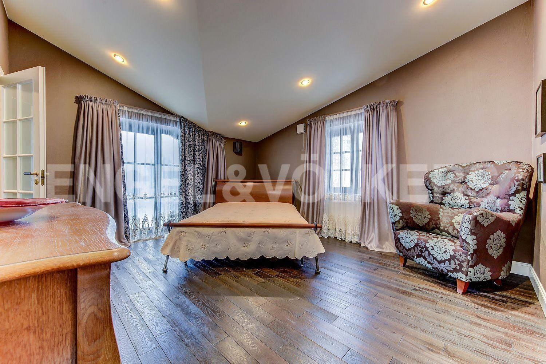 Спальня на 2-м этаже