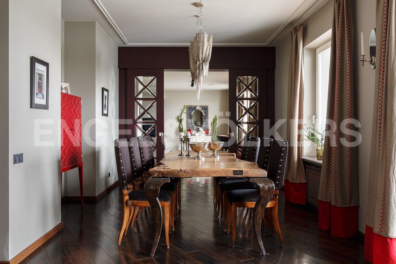 Элитные квартиры в Центральном районе. Санкт-Петербург, Шпалерная, 60. Столовая