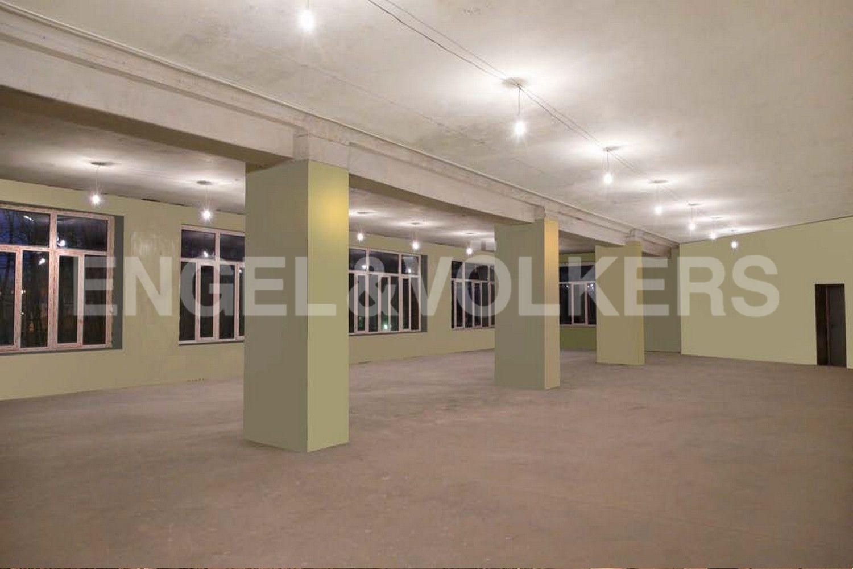 Элитные квартиры в Василеостровском районе. Санкт-Петербург, Средний пр. В.О., д. 2, лит. В. 3 этаж