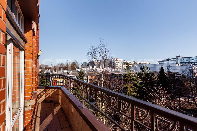 Элитные квартиры на . Санкт-Петербург, пр. Динамо, 22. Балкон