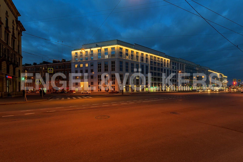 Элитные квартиры в Центральном районе. Санкт-Петербург, Смольный пр., 17. Фасад комплекса со стороны Тульской улицы