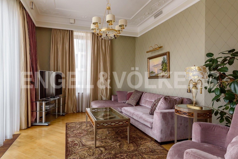 Элитные квартиры на . Санкт-Петербург, наб. Мартынова, 62. Гостиная