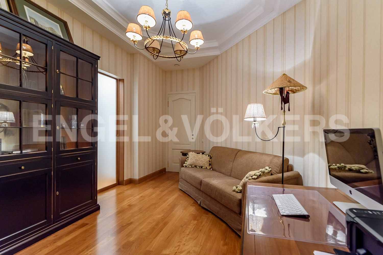 Элитные квартиры на . Санкт-Петербург, наб. Мартынова, 62. Кабинет