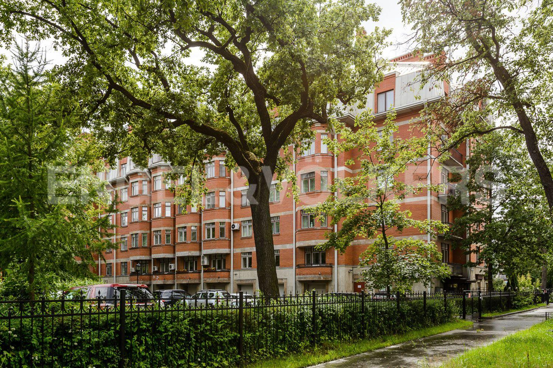 Элитные квартиры на . Санкт-Петербург, пр. Динамо, 22. Закрытая территория в окружении зелени