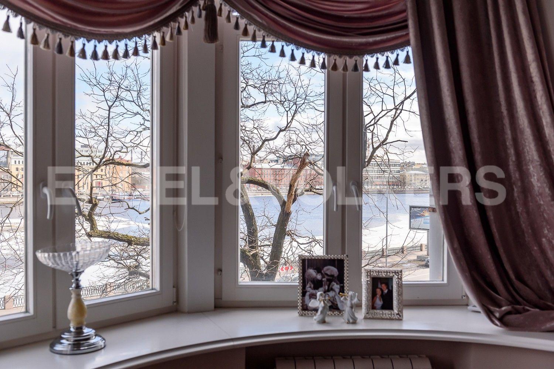 Элитные квартиры в Петроградском районе. Санкт-Петербург, Аптекарская наб., 6.