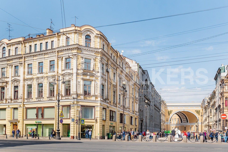Элитные квартиры в Центральном районе. Санкт-Петербург,  ул. Большая Морская, д.7. Фасад дома