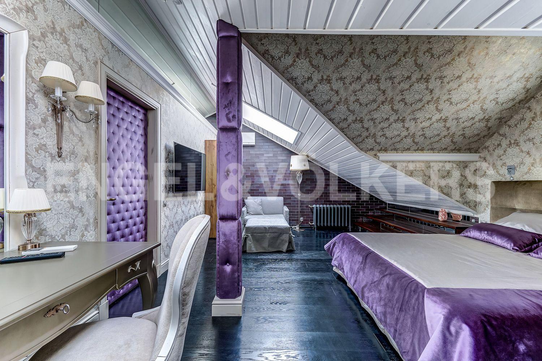 Элитные квартиры в Приморском районе. Санкт-Петербург, Главная улица, 31 корпус 1. - Хозяйская спальня (мансарда)
