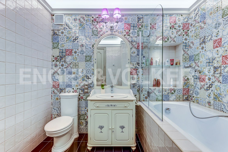 Элитные квартиры в Приморском районе. Санкт-Петербург, Главная улица, 31 корпус 1. - Ванная комната (3 этаж)