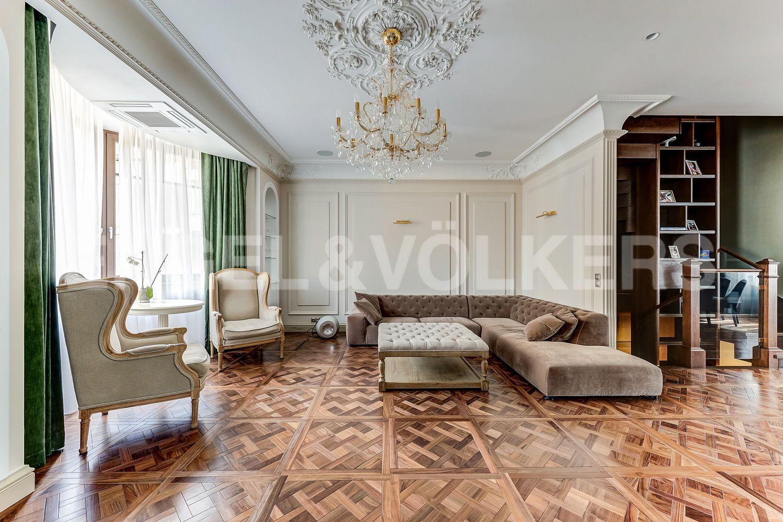Элитные квартиры в Приморском районе. Санкт-Петербург, Главная улица, 31 корпус 1. - Зона гостиной (2 этаж)