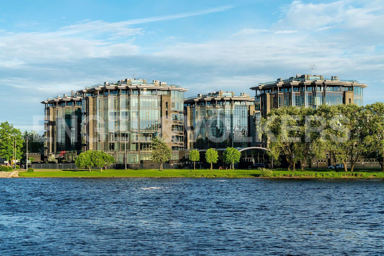 Элитные квартиры на . Санкт-Петербург, Константиновский, 23. 02_Фасад дома