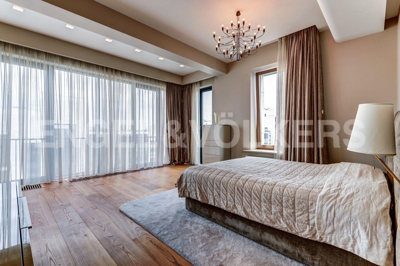 Элитные квартиры на . Санкт-Петербург, наб. Мартынова, 74. 08_Основная спальня