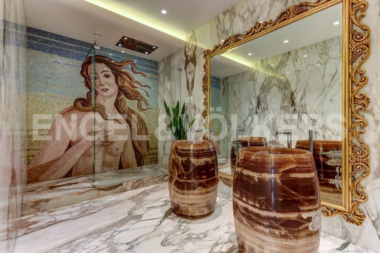 Элитные квартиры на . Санкт-Петербург, наб. Мартынова, 74. 12_Ванная комната с Венерой