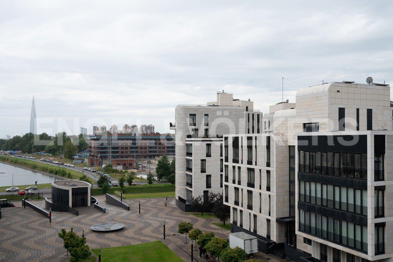 Элитные квартиры на . Санкт-Петербург, наб. Мартынова, 74. 22_Вид на Гребной канал