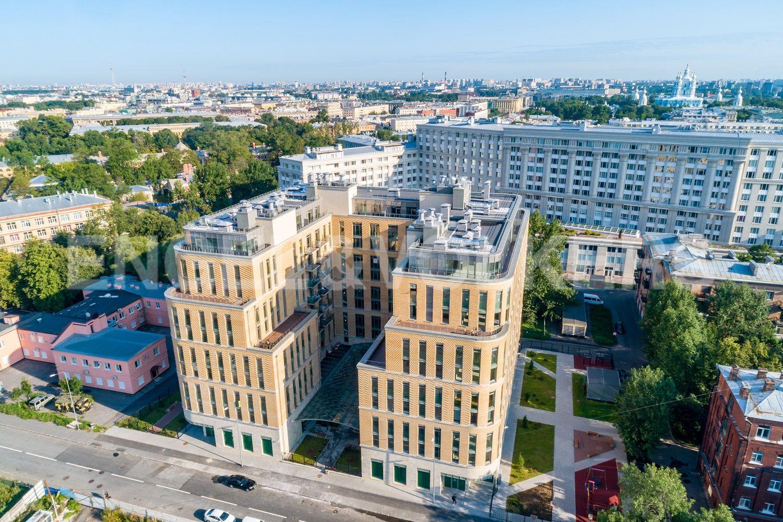 Элитные квартиры в Центральном районе. Санкт-Петербург, ул. Кирочная, 70. Фасад здания