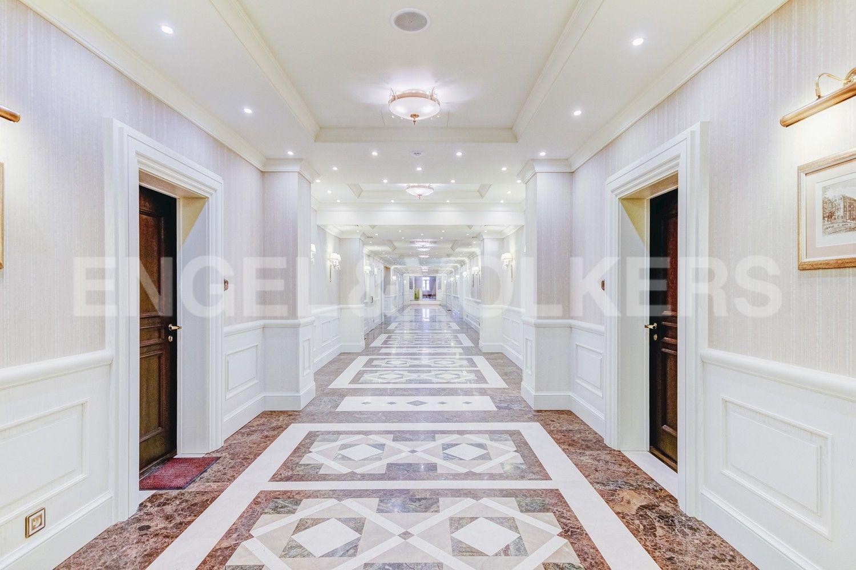 Элитные квартиры в Центральном районе. Санкт-Петербург, Конногвардейский бульвар, д.5. Холл комплекса