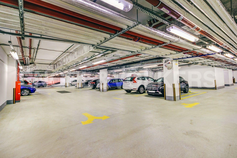 Элитные квартиры в Центральном районе. Санкт-Петербург, Конногвардейский бульвар, д.5. Отапливаемый подземный паркинг