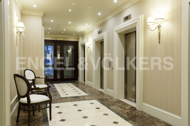 Элитные квартиры в Центральном районе. Санкт-Петербург, Конногвардейский бульвар, д.5. Зона ожидания лифтов