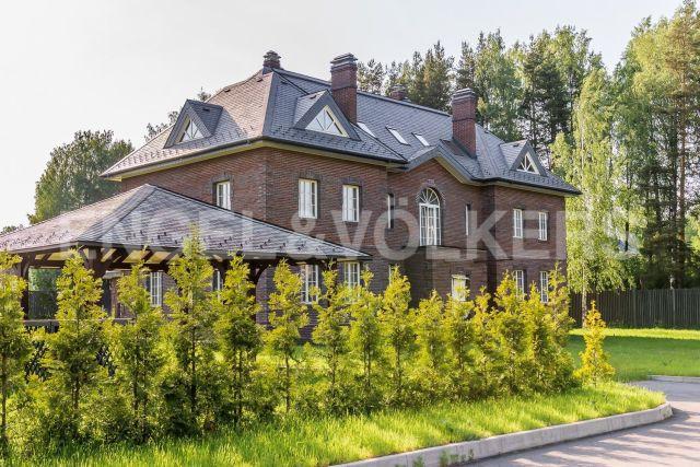 «Уварово» – дом с бассейном в клубном поселке рядом с Коркинским озером