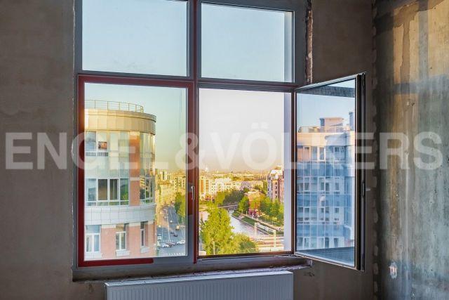 Ждановская, 45 – высота пространства и перспектива реки