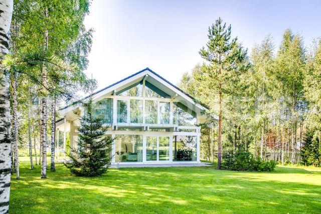 Osko Village – готовый дом в стиле фахверк в закрытом поселке